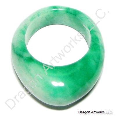 Chinese White Green Jade Ring of Continuous Life